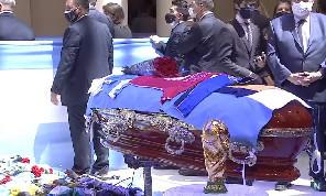 Morte Maradona, clamorosa indiscrezione: sarebbe stato ucciso da un cocktail di farmaci!