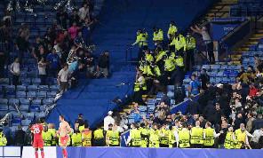 Scontri Leicester-Napoli, comunicato polizia inglese: arrestati 8 tifosi partenopei, indagini ancora in corso