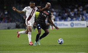 Tuttosport - Il Napoli sfida due big per Bremer: la situazione