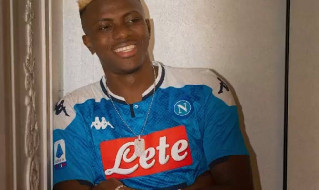 Osimhen: Napoli club glorioso, tanti grandissimi calciatori hanno giocato qui! Voglio far bene sia in Europa League che in Serie A