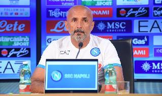 Spalletti: Insigne sta bene, De Laurentiis sta organizzando qualcosa per Maradona. Lamentarsi degli arbitri è da sfigati, Osimhen è stato esemplare [VIDEO]