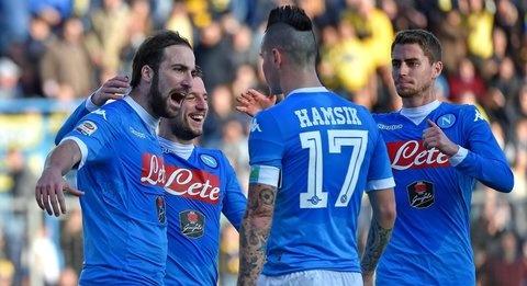Novara, Baroni: Ho ricordi bellissimi di Napoli, eravamo un bel gruppo. Higuain castiga tutti, è un fenomeno