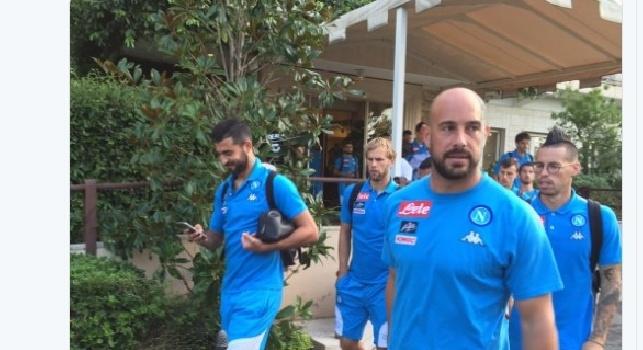 FOTO - Tra pochi minuti...all'Adriatico!, il Napoli lascia l'hotel, direzione stadio