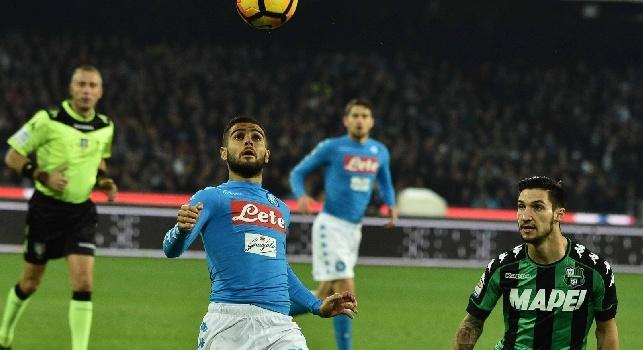 RILEGGI LIVE - Napoli-Sassuolo 1-1 (42' Insigne, 82' Defrel): finita! Palo di Callejon al 93', pareggio immeritato e azzurri settimi