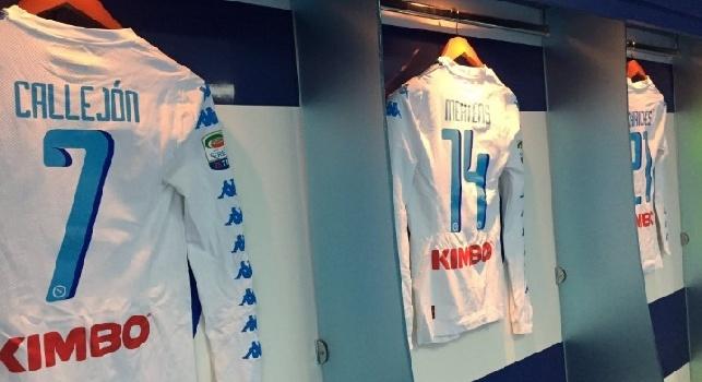 Napoli, svelata la maglia che indosseranno i calciatori: prevale la scaramanzia!