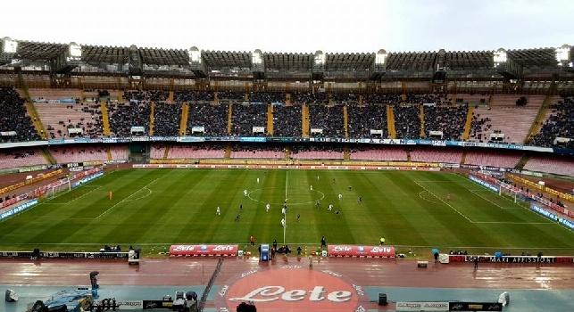 RILEGGI LIVE - Napoli-Pescara 3-1 (47' Tonelli, 49' Hamsik, 85' Mertens, 94' Caprari rig.): finita! Azzurri terzi a -3 dalla Roma, -4 dalla Juve