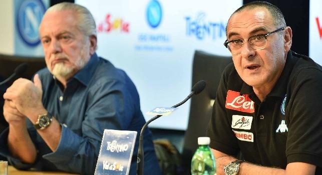 De Laurentiis e Sarri in conferenza, parti più vicine: proposto rinnovo a 4 mln all'anno