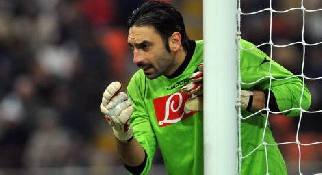 Gennaro Iezzo con la maglia del Napoli