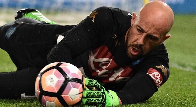 Reina, l'agente atteso a Napoli: chiederà il rinnovo per un anno, De Laurentiis si cautela con altri tre nomi