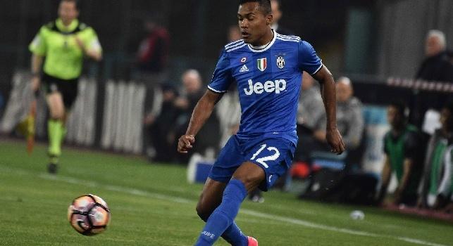 Juventus, brutta tegola per Maurizio Sarri: infortunio muscolare per Alex Sandro