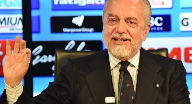 De Laurentiis: Sarri ha una clausola rescissoria da 8 milioni valida dalla stagione 2018/19. Se la Roma lo vuole, la decisione spetta a lui
