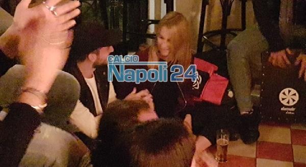 Kat è a Napoli, prima uscita con suo marito Dries Mertens al Vomero per festeggiare il suo ritorno [FOTO & VIDEO ESCLUSIVI]