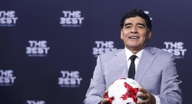 Maradona e il ricordo del 10 maggio 1987: 30 anni fa il primo scudetto, #ForzaNapoliSempre [FOTO]