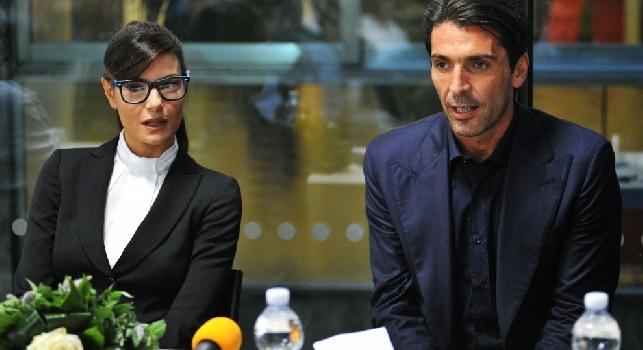 Ma dove hai la testa?. Ilaria D'Amico e Gigi Buffon beccati dai paparazzi, che lite furiosa per strada! [FOTO]