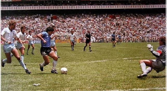 Copa America, omaggio a Maradona prima di Argentina-Cile: spettacolo musicale e fuochi d'artificio