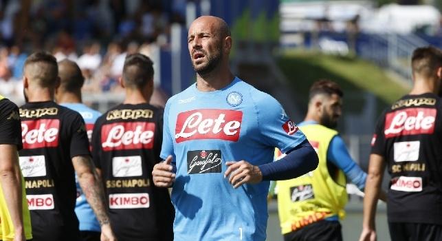 Da Melito a Dimaro per far felice Pepe Reina: il parrucchiere Mungiguerra soddisfa il portiere del Napoli [FOTO ESCLUSIVA]