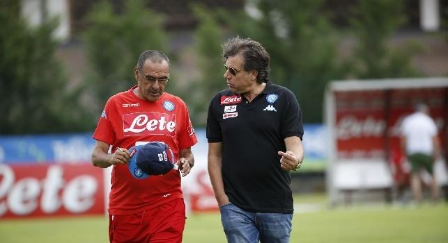 Kiss Kiss Napoli - Sarri, Giuntoli ed Edo De Laurentiis tornano al centro sportivo, filtra ottimismo! Tanti sorrisi sui loro volti