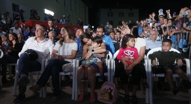 Fantastica la presentazione della squadra in piazza, Maggio emozionato: Tanta roba [VIDEO]