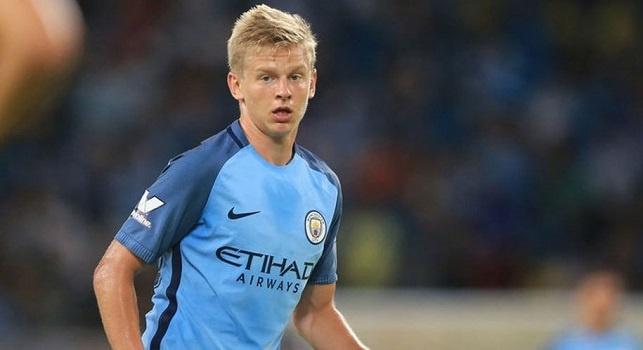 Oleksandr Zinchenko è un calciatore ucraino, centrocampista o ala del Manchester City