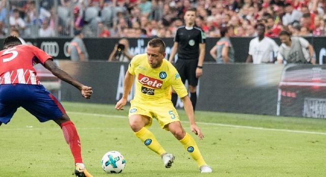 Emanuele Giaccherini è un calciatore italiano, centrocampista del Napoli e della nazionale italiana