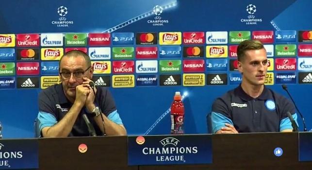 Maurizio Sarri, allenatore del Napoli, e l'attaccante polacco Arkadiusz Milik