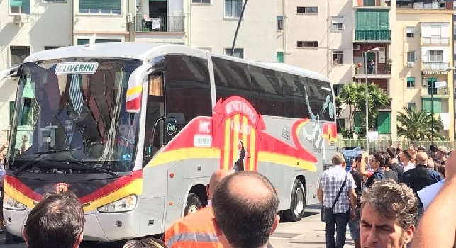 L'arrivo del Benevento al San Paolo per la partita col Napoli