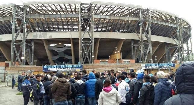 Stadio San Paolo, tifosi in fila