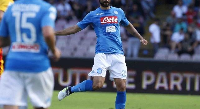 Raúl Albiol Tortajada è un calciatore spagnolo, difensore del Napoli