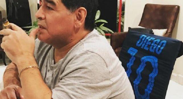 Maradona e la sua maglia