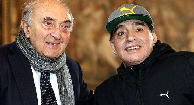 Corrado Ferlaino insieme a Diego Armando Maradona