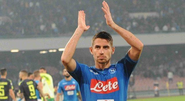 Jorginho saluta i tifosi del Napoli al San Paolo