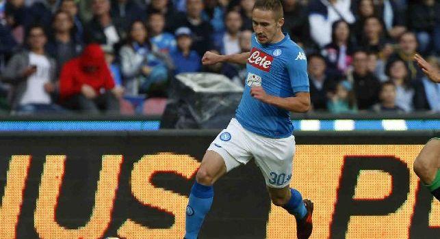 Marko Rog è un calciatore croato, centrocampista del Napoli e della Nazionale croata