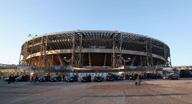 Stadio San Paolo dall'esterno