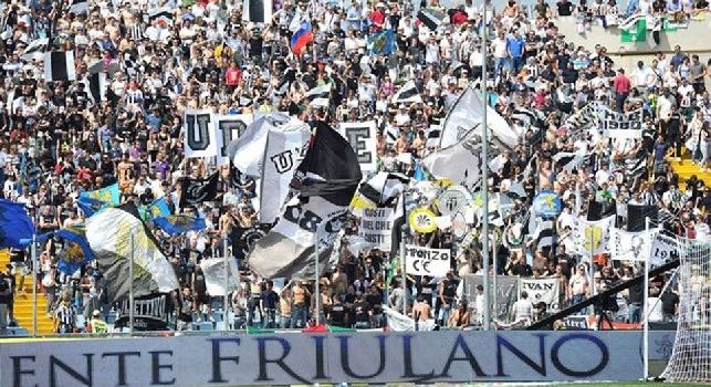 I tifosi dell'Udinese intonano Odio Napoli. Brutto episodio alla Dacia Arena