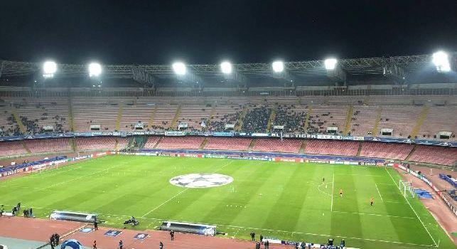 Stadio San Paolo di Napoli con pochissimi spettatori