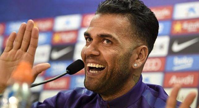 PSG, Dani Alves: Non è finita, dobbiamo continuare a combattere come contro il Liverpool. Felice per la prestazione