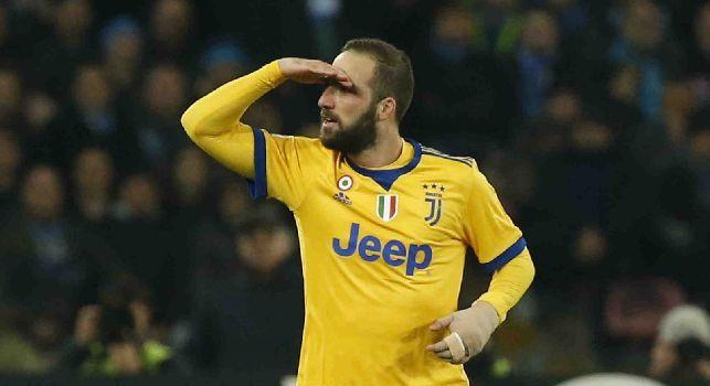 Gonzalo Higuain esulta in Napoli-Juventus