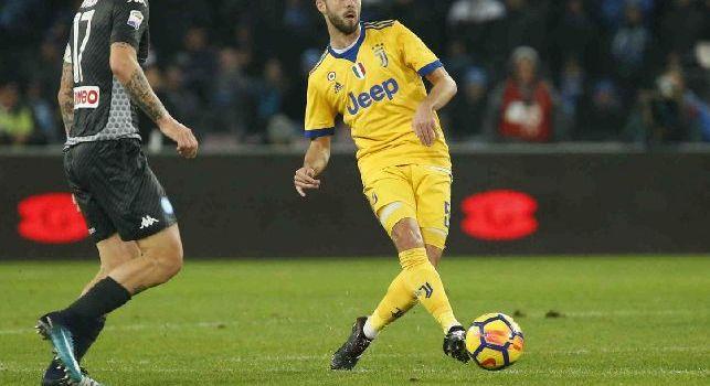 Pjanci, centrocampista della Juventus in azione contro il Napoli