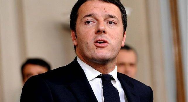 Il tifoso viola Renzi: Amici del Napoli: siamo d'accordo che questo su Mertens non era rigore? Speriamo il VAR vada meglio la prossima volta