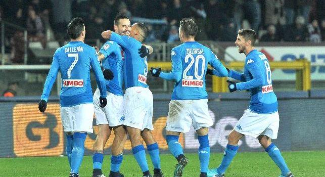 Il Napoli esulta dopo il gol di Hamsik al Torino