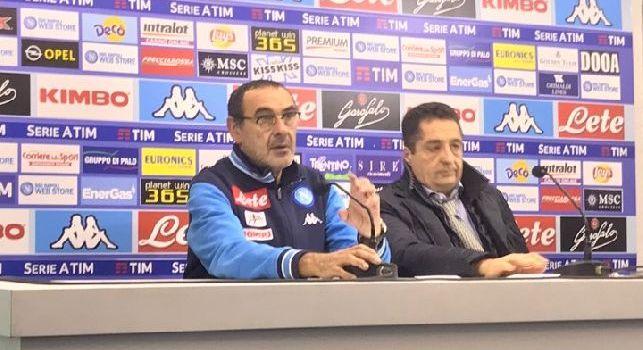 Sarri in conferenza: Tonelli ha giocato perchè è uno che segna. Rimonta scudetto? Tutto è possibile. A Torino voglio vedere la nostra faccia di c...o [VIDEO]