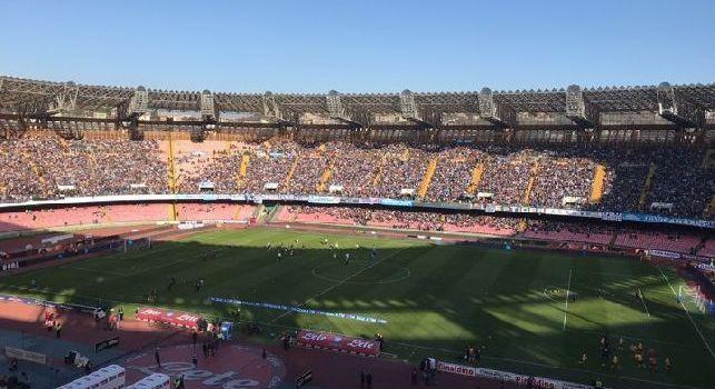 RILEGGI DIRETTA - Napoli-Hellas Verona 2-0 (65' Koulibaly, 79' Callejon): piegata la resistenza veronese, gli azzurri dominano e allungano in vetta alla classifica!