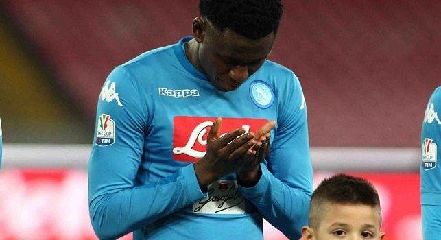 Amadou Diawara è un calciatore guineano, centrocampista del Napoli