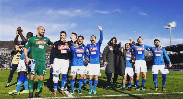 Mertens festeggia sui social: Forza Napoli Sempre!!! Grande gruppo [FOTO]