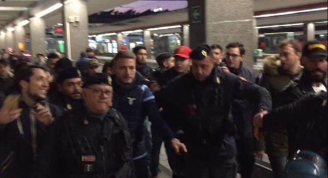 Ma se vieni a Napoli che succede?: poliziotti increduli, siparietto con Immobile assalito dai tifosi [VIDEO CN24]