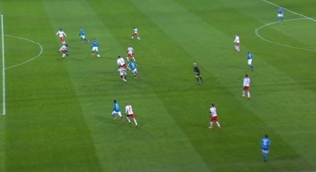 Napoli in vantaggio alla Red Bull Arena: azione show degli azzurri, Zielinski sblocca il match al 32'! [VIDEO]