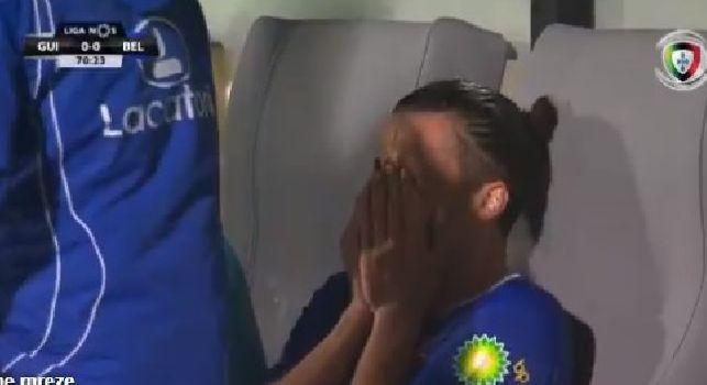Belenenses, Bakic scoppia a piangere in panchina per non esser riuscito a dedicare un goal ad Astori [VIDEO]