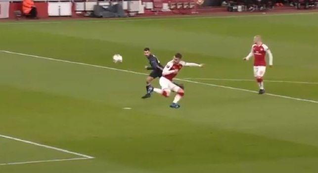 Arsenal-CSKA Mosca, gol pazzesco di Ramsey: scavalca il portiere con un colpo di tacco al volo! [VIDEO]