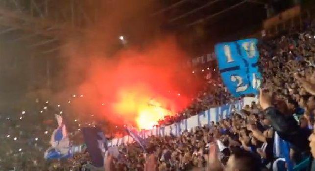 Festa al San Paolo, i tifosi non lasciano lo stadio a fine partita! Giro di campo e cori per gli azzurri: atmosfera da brividi! [VIDEO]