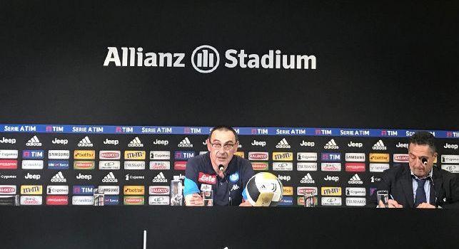 Sarri, allenatore del Napoli, in conferenza stampa